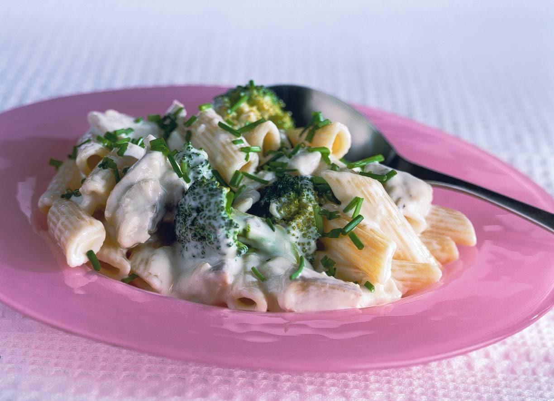 Romige haring-pastasalade