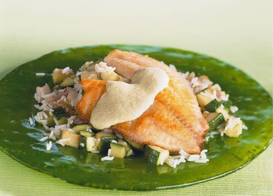 Tilapia met groene currysaus