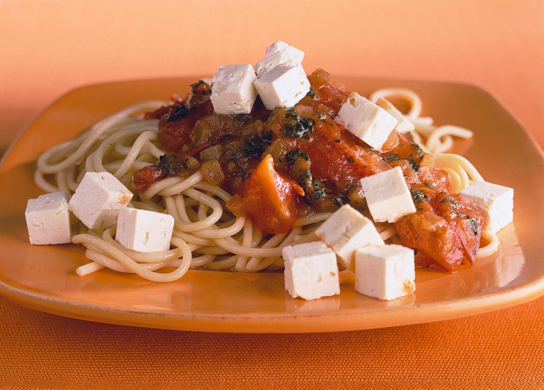 Spaghetti met tomaat-basilicumsaus