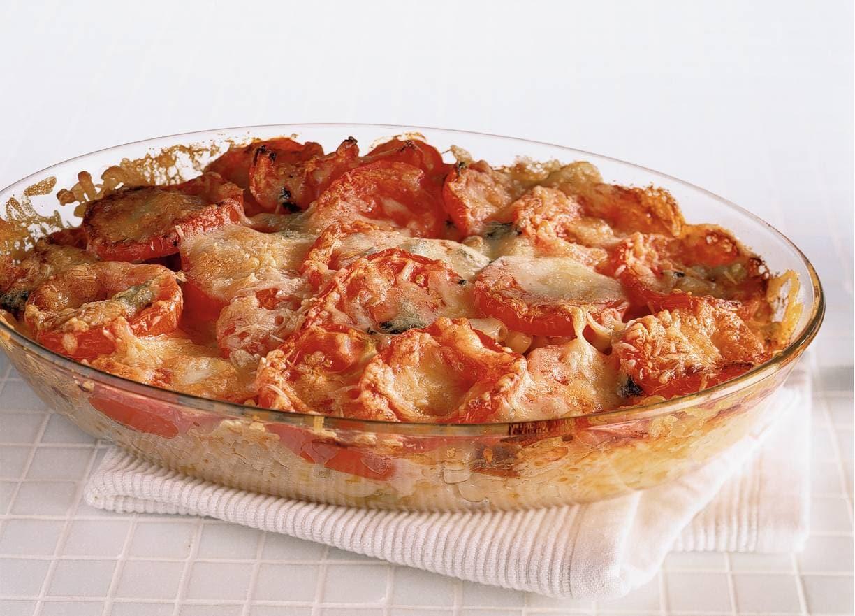 Macaronischotel met drie soorten kaas