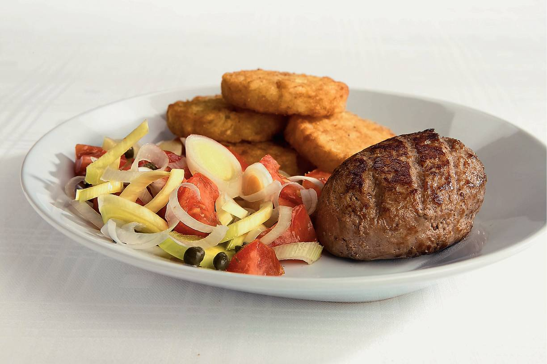 Steak tartaar met tomatensalade