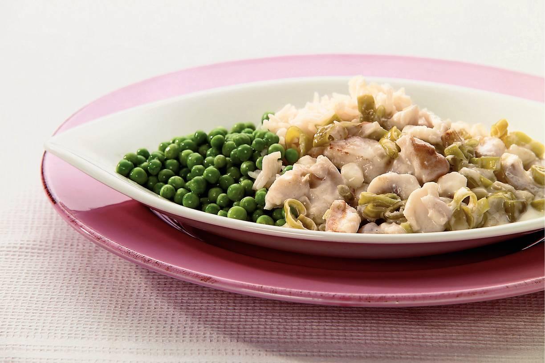 Rijst met roodbaars en groene pepers