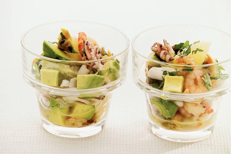 Salade met zeevruchten en kruidenolie