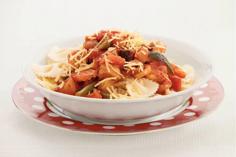 Pasta met Italiaanse roerbakgroente