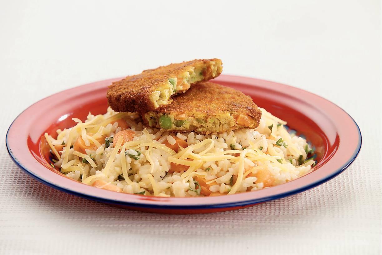 Pikante kaasrisotto en groenteschnitzels