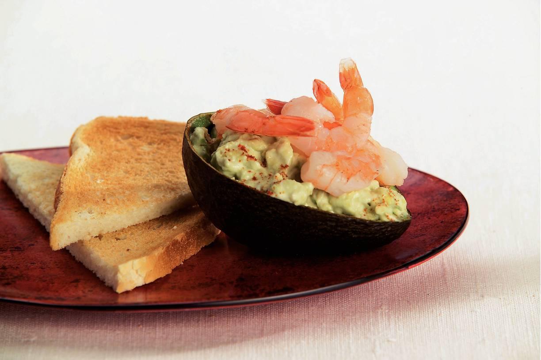 Romige avocado met garnalen