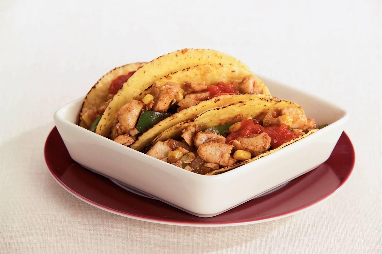Taco's gevuld met paprika en vis
