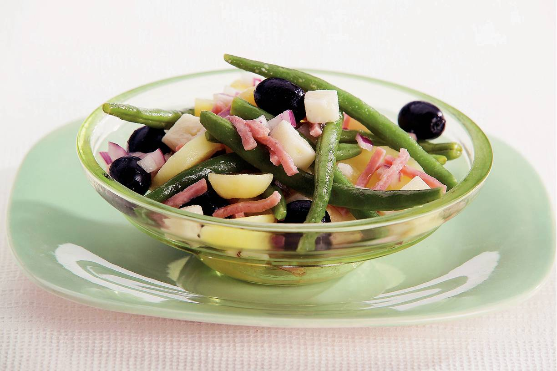 Warme sperziebonen-aardappelsalade
