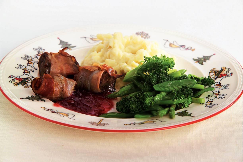 Hazenrugfilet, broccoli, peultjes en asperges