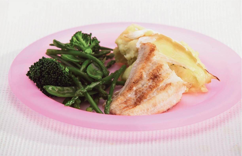 Zeewolf met broccoli, peultjes en asperges