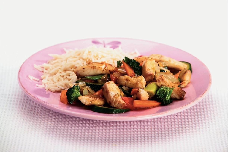 Tilapia roerbakschotel met rijst