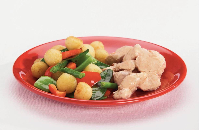 Krieltjesschotel met kip in mosterdsaus