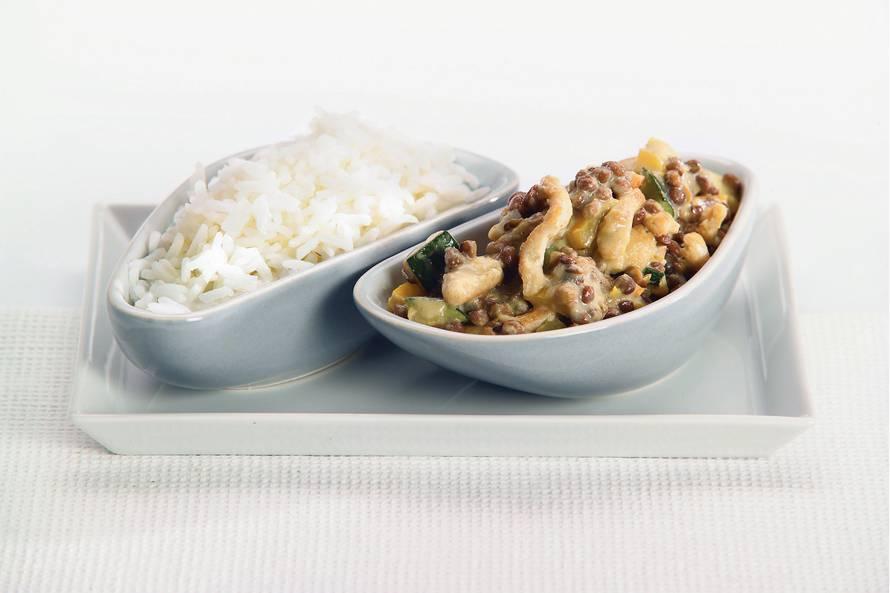 Thaise linzen-kipcurry