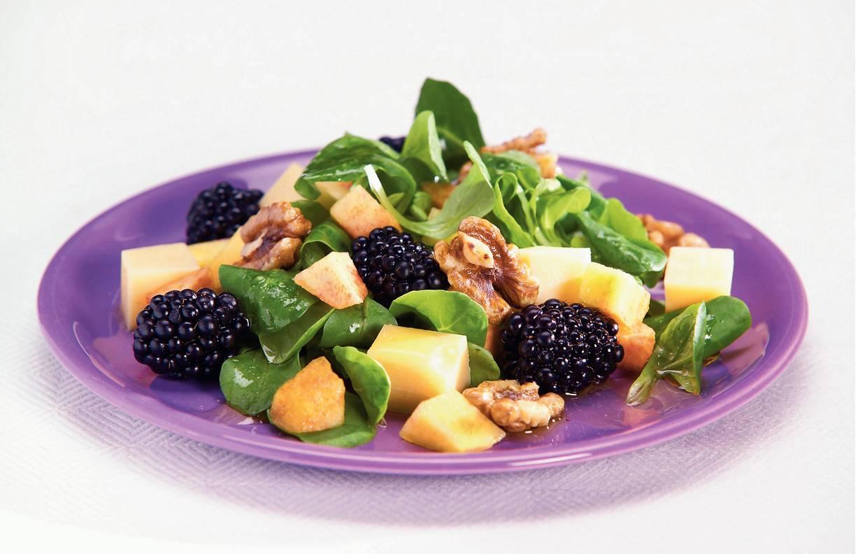 Salade met zomerfruit en balsamicodressing