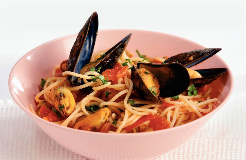 Spaghetti met mosselen & tomatensaus