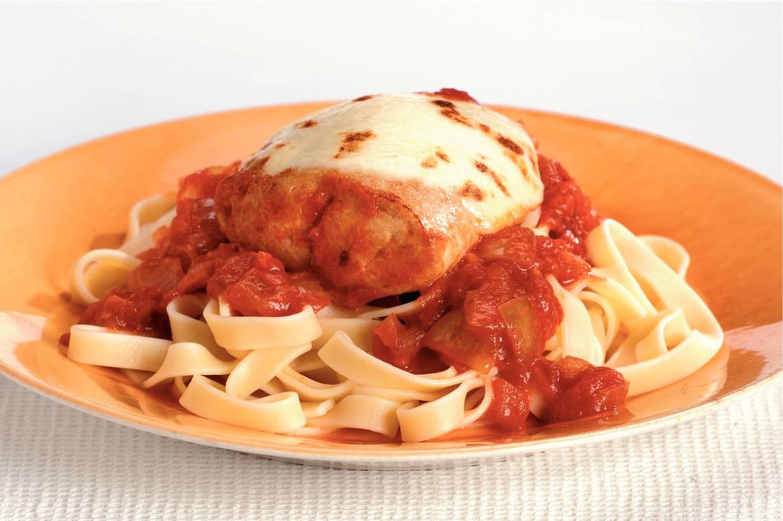 Kalkoenfilet met mozzarella en tomaten