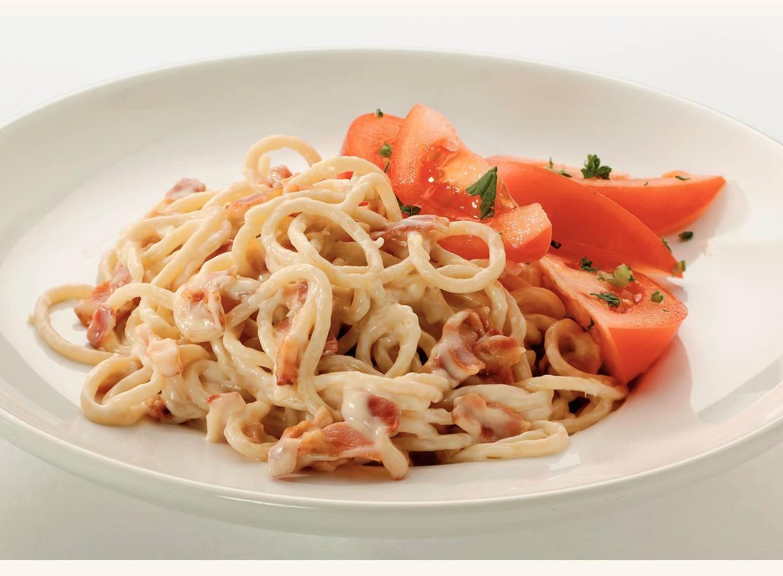 Spaghetti met romige kaas-speksaus