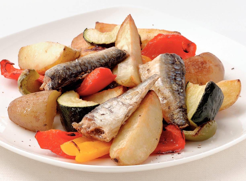 Warme aardappelsalade met sardientjes