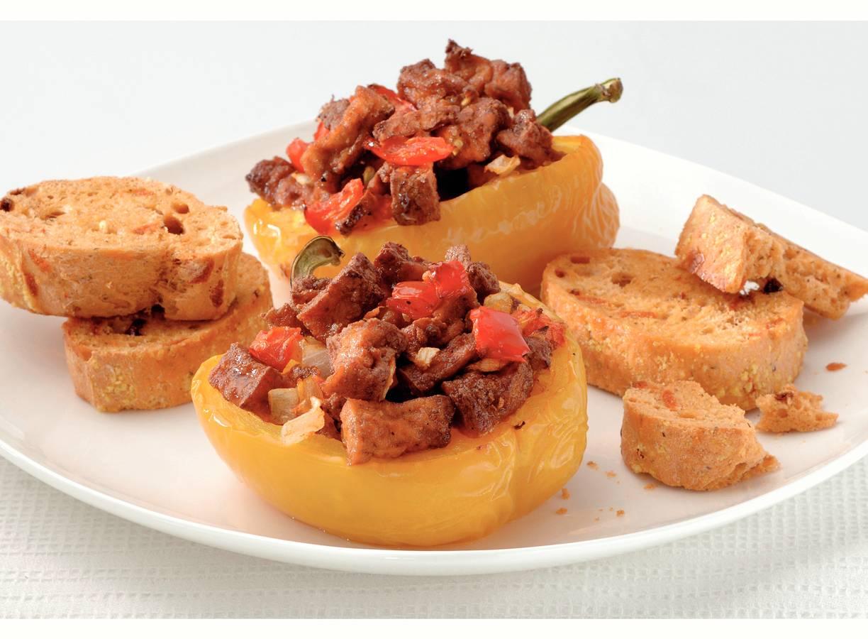 Gevulde paprika's met tomatenbrood