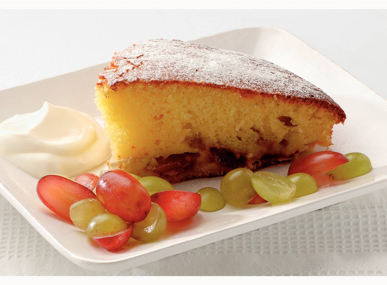 Cake met verse druiven en crème fraîche