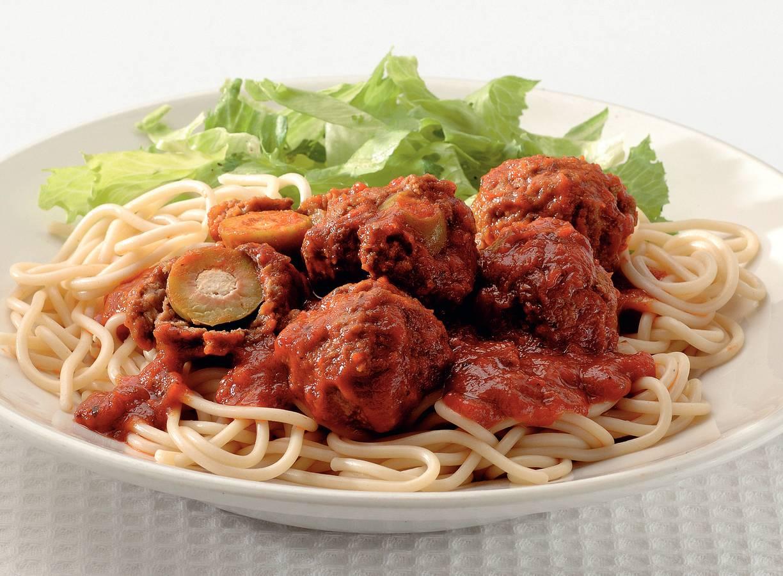 Spaghetti met olijvengehaktballetjes