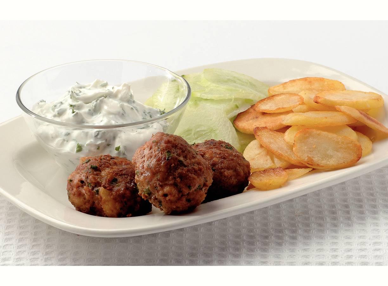 Griekse gehaktballen met yoghurtsaus