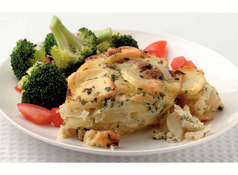 Aardappel-ansjovisschotel