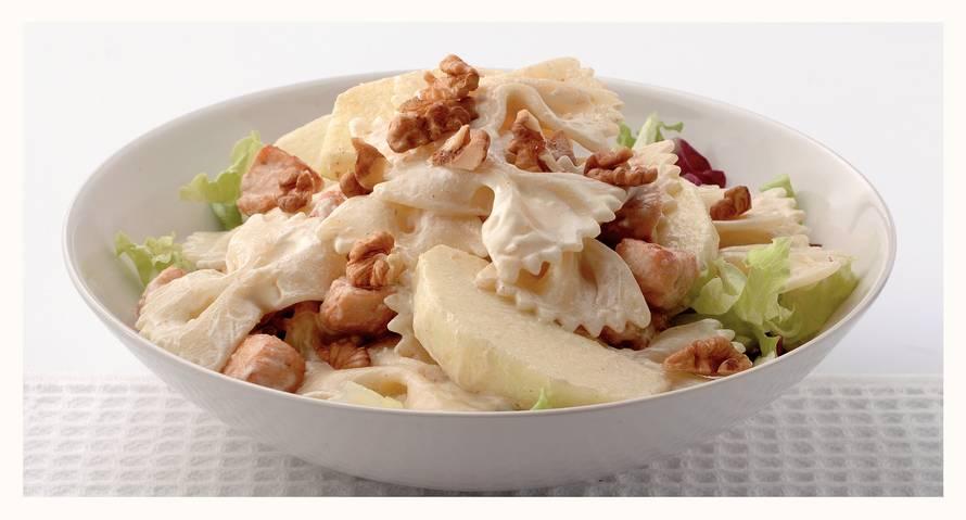 Lauwwarme pastasalade met mosterddressing
