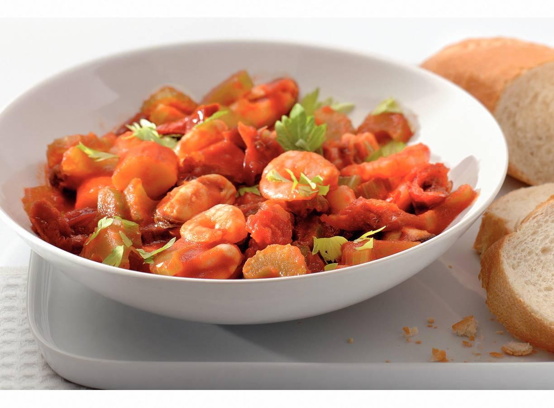 Zeevruchten met selderij en tomaatjes