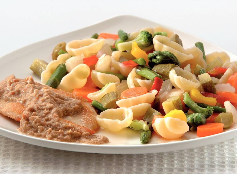 Pollo tonato met pastasalade
