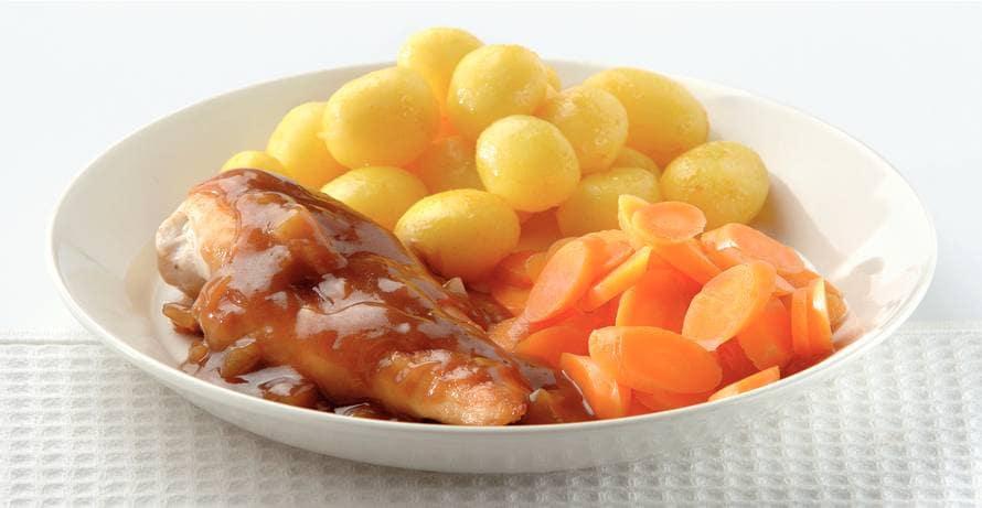 Kip met gemberjus en kerrieaardappeltjes