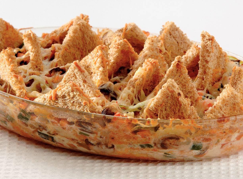 Italiaanse broodschotel met champignons