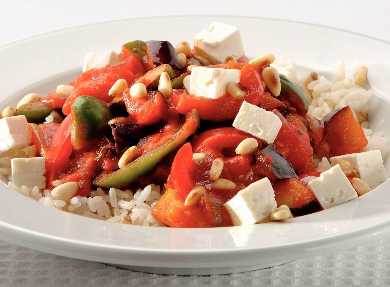 Mediterrane groenten met kaas en rijst