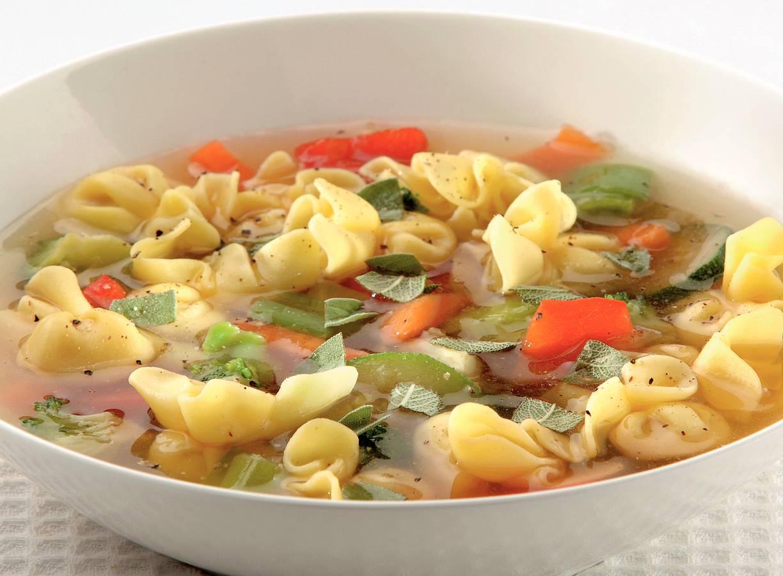 Italiaanse groentesoep met perline
