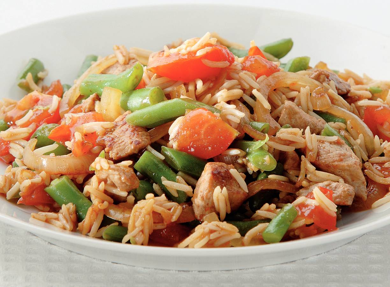 Rijst met boontjes, tomaat en gember