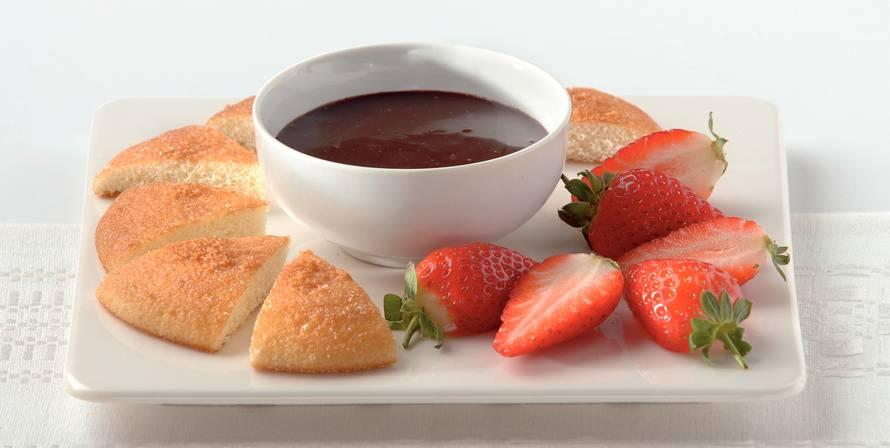 Chocoladedip met aardbeien