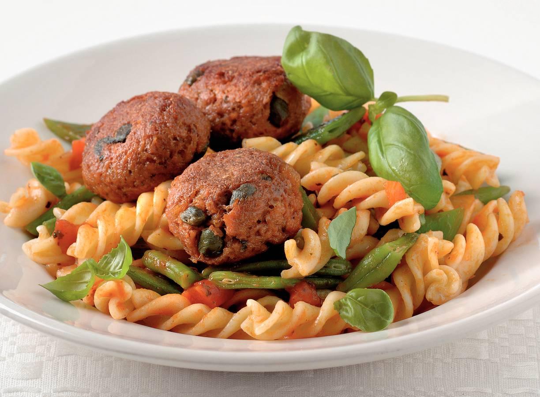Garden Gourmet-balletjes met kappertjes en pasta