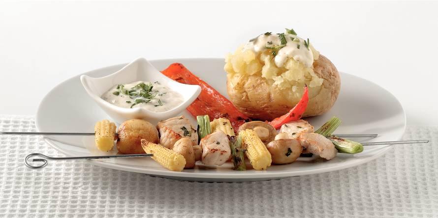 Vlees-groentespies met gepofte aardappel