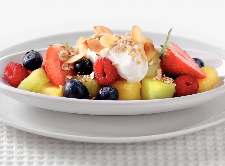 Griekse yoghurt met vers zomerfruit