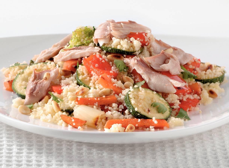 Couscous-groentesalade met makreel