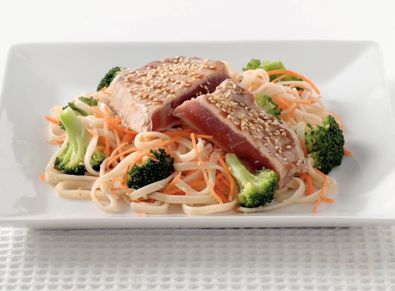 Mie met broccoli en tonijn