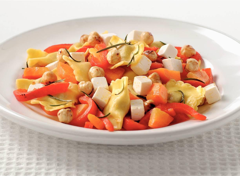 Ravioli met geroosterde paprika en kaas