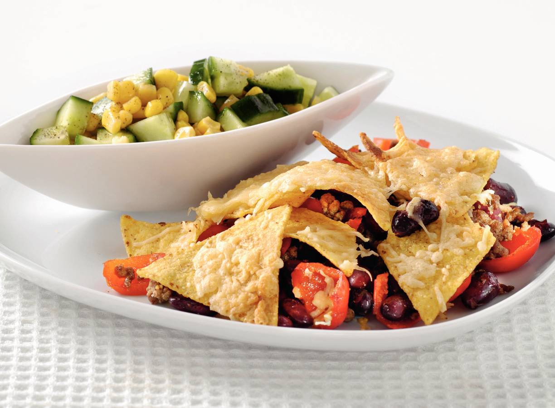 Mexicaanse ovenschotel met komkommer-maissalade