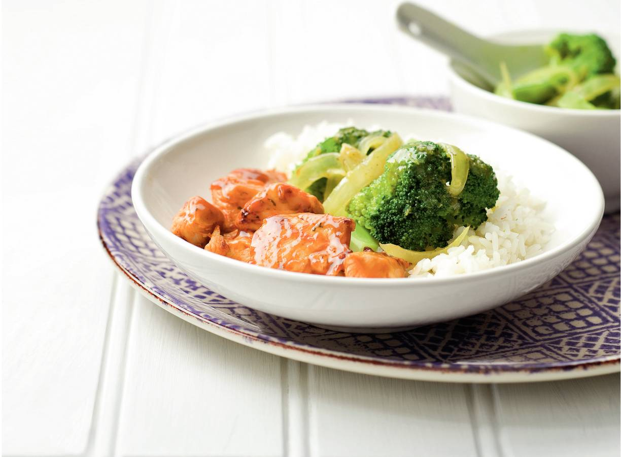 Thaise kip met broccolicurry