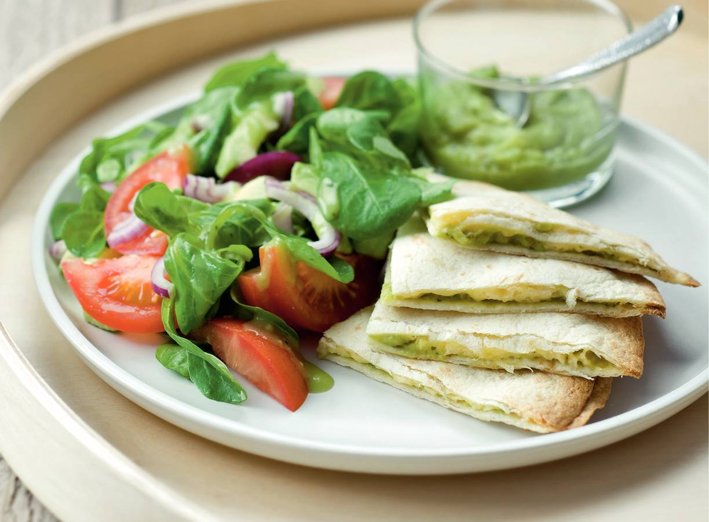 Guacamole wraps met tomatensalade