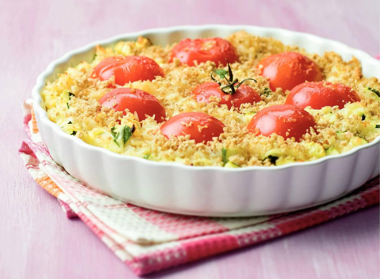 Ovenschotel van rijst en tomaten