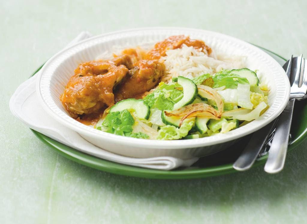 Kip ajam paniki met Chinese kool en komkommer