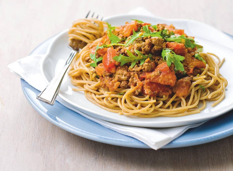 Spaghetti met tomatensaus en rucola