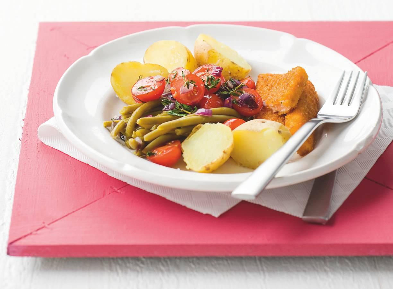 Gestoofde groenten met zalmvissticks