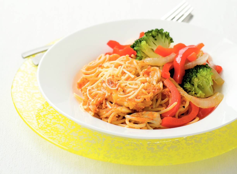 Spaghetti met pesto rosso en broccoli